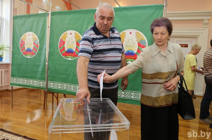 Naqif Həmzəyev: Belarusda əhalinin seçkiyə marağının yüksək olduğunun şahidi olduq